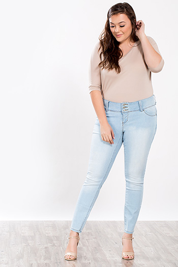 Junior Plus Size Triple-Button WannaBettaButt Skinny Jean