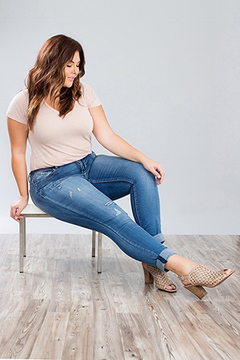Junior Plus Size WannaBettaButt Roll-Up Skinny Jean