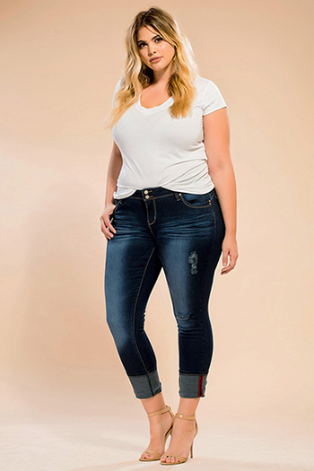Junior Plus Size WannaBettaButt 2-Button Mega Cuffed Skinny