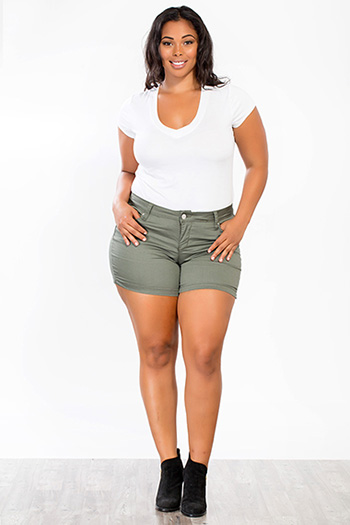 Junior Plus Size WannaBettaButt Twill Shorts