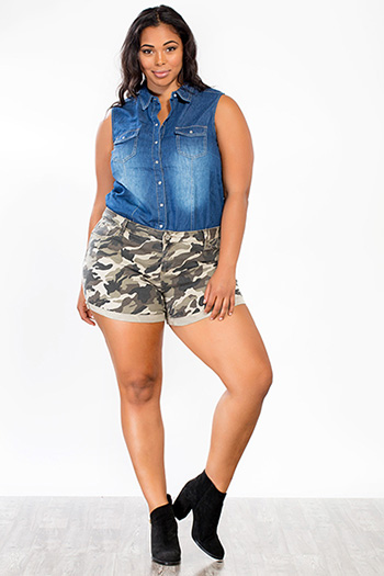 Junior Plus Size Mid-Rise Camo Shorts