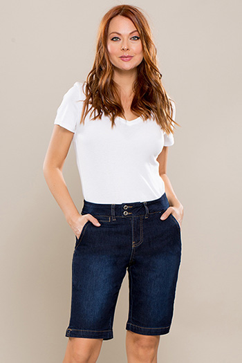 Women Petite 2-Button Bermuda