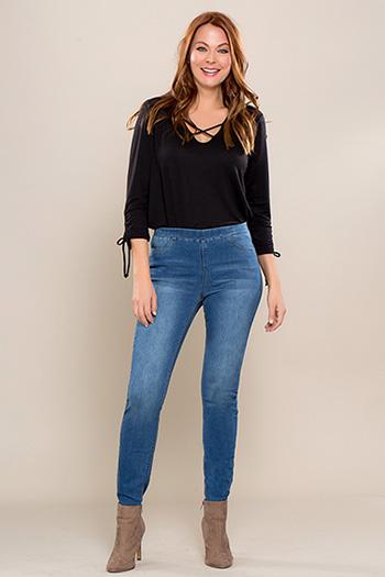 Women Petite Super Soft Pull-On Skinny Jeans