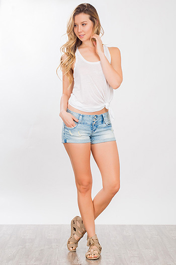 Junior WannaBettaButt 3-Button Wide Waist Shorts