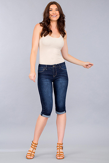 Women Basic Cuffed Capri