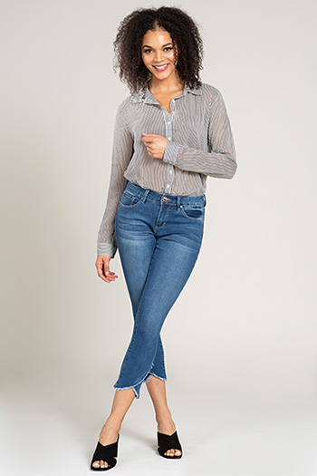 Women Ankle Jean with Cross Over Fray Hem