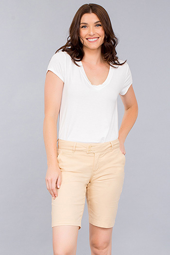 Women 2-Button Chino Bermuda