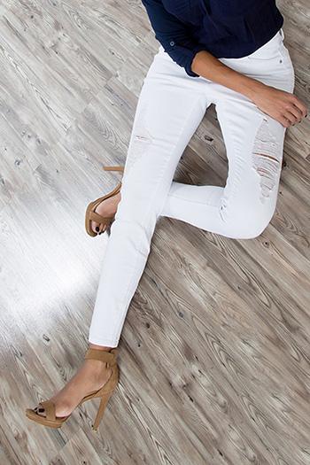 Women WannaBettaButt Rip & Tear Skinny Jeans