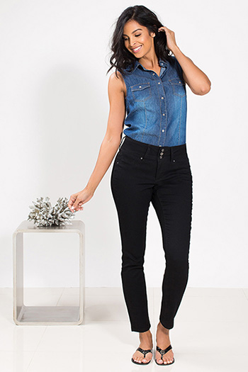 Women Triple-Button Skinny Jeans