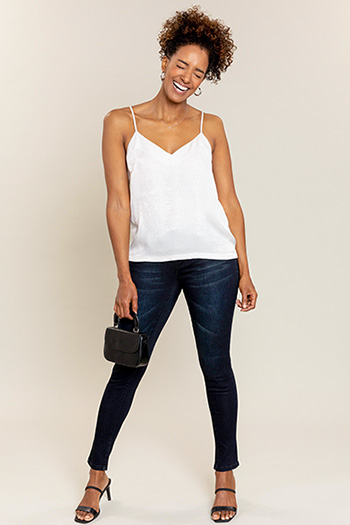 Women 3-Button Basic Skinny Pant