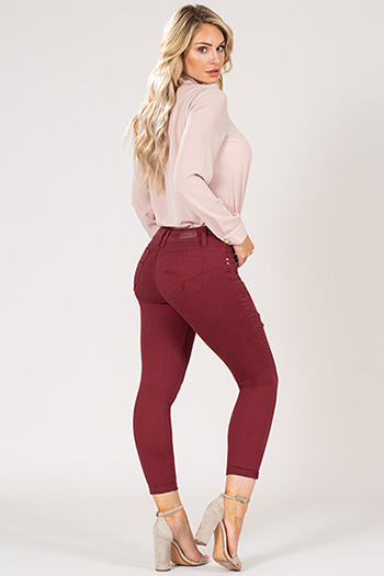Womens WannaBettaButt 2-Button Slim Fit Anklet
