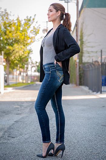 Women WannaBettaButt Heavy Stitched Skinny Jean