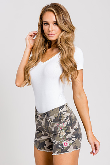 Women Camo Floral Embroidery Shorts