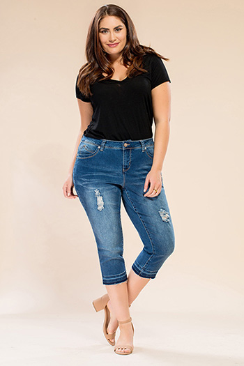 Women Plus Size WannaBettaButt Capri with Release Hem