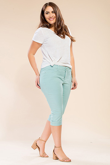 Women Plus Size Cuffed Capri