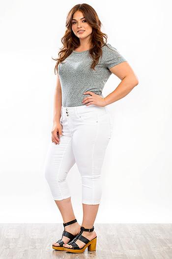 Plus Size Women WannaBettaButt Crop Capri