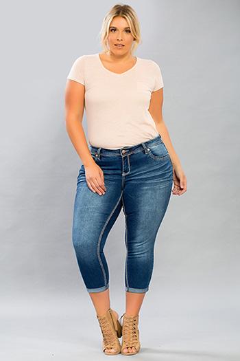 Women Plus Size WannaBettaButt Heavy Stitch Flood with Back Pocket Design