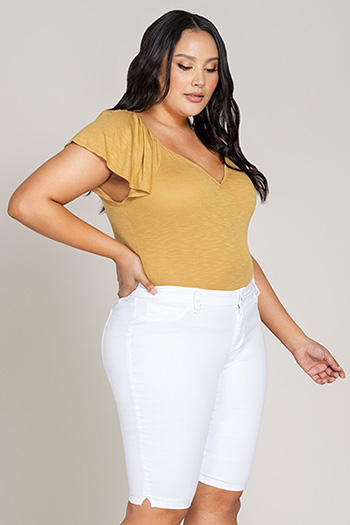 Women Plus Size Mid-Rise Bermuda with Side Slits