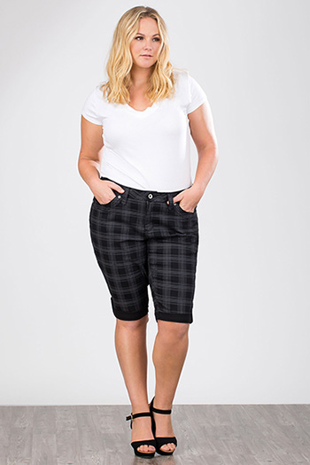 Women Plus Plaid Bermuda