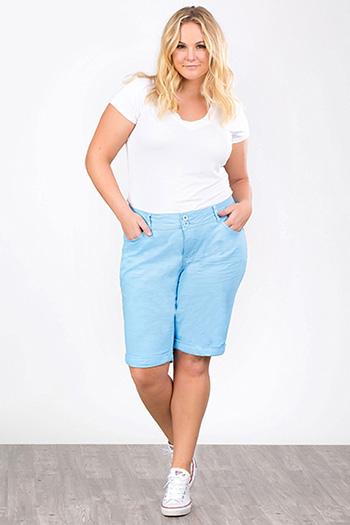 Women Plus 2-Button Cuffed Bermuda Shorts