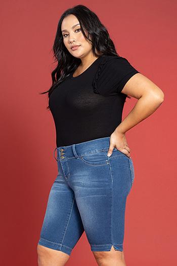 Women Plus Size WannaBettaButt 3-Button Bermuda
