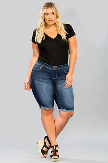 Women Plus Size Basic Cuffed Bermuda