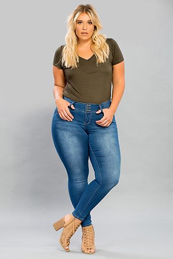 Women Plus Size WannaBettaButt 3-Button Skinny Jeans
