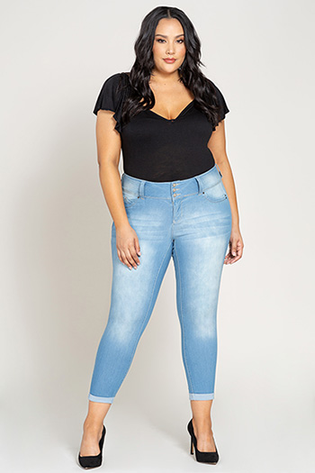 Women Plus Size WannaBettaButt 3-Button Cuffed Denim Jean