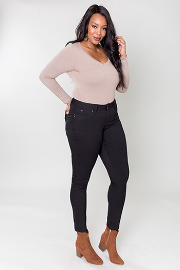 Women Plus Size WannaBettaButt 2-Button Skinny