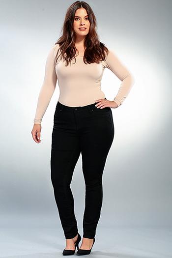 Women Plus WannaBettaButt Skinny with Rhinestone Back Pocket