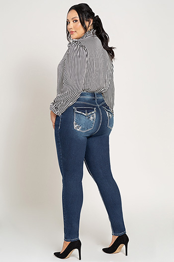 Women Plus Size Heavy Stitch Skinny Jean with Flap Pocket Embroidery
