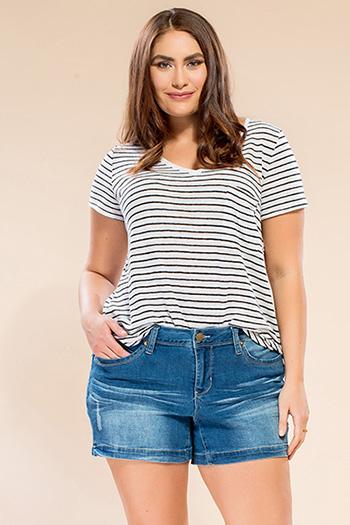 Women Plus Size WannaBettaButt Single-Button Shorts