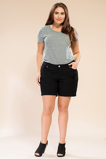 Women Plus Size WannaBettaButt Twill Shorts